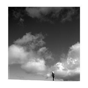 Photographie Fine Art N&B - Sur le fil entre ciel et terre 1