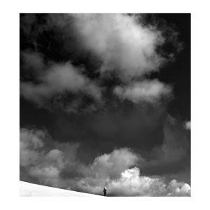 Photographie Fine Art N&B - Sur le fil d'un ciel entre ciel et terre 3