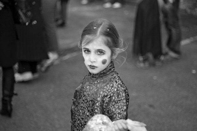 Photographie N&B - Portrait d'une enfant - La veille de mes 15 ans