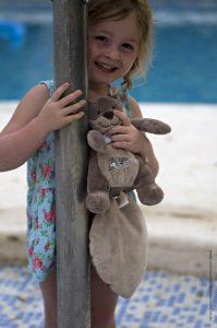 Photographie - Portrait d'une enfant - L'indispensable doudou