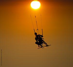 Photographie Sport - Kitesurf au soleil couchant à Porquerolles