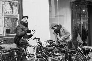 Photographie Street Art N&B - La mobilité urbaine