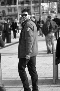 Photographie Street Art noir et blanc - Le retournement 2\2