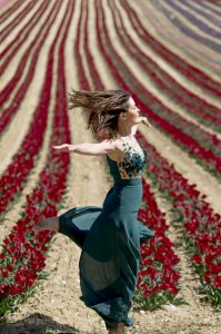 Portrait Albina K - Elégance au parfum de tulipe