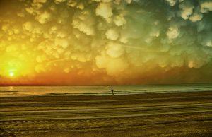 Photographie Fine Art - Course sous les nuages cotonneux