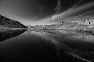 Photographie nature paysage noir et blanc - Les reflets d'altitude